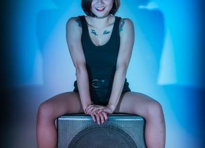 DJ Ning sitting